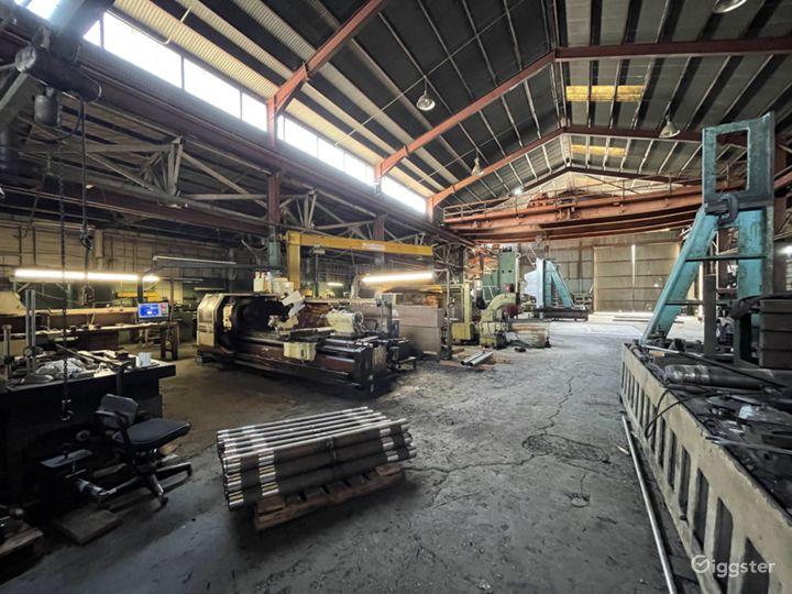 Massive Metal Shop Warehouse Location Photo 4