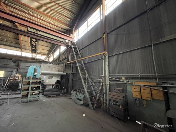 Massive Metal Shop Warehouse Location Photo 2