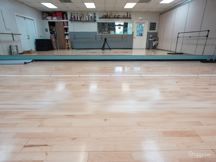 Buy-Out Rental 1400 sq.ft. Dance Studio Space Photo 4