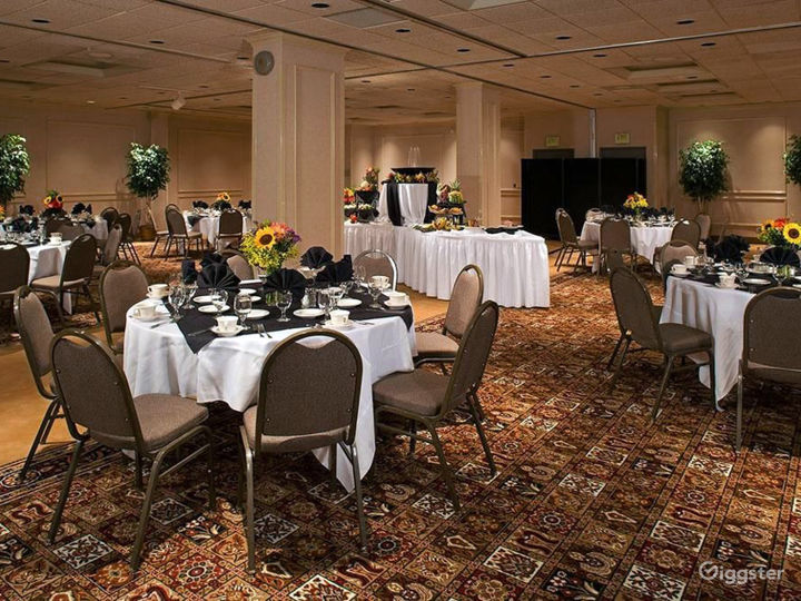 Hotel Meeting/Event Space by the Space Needle Photo 4