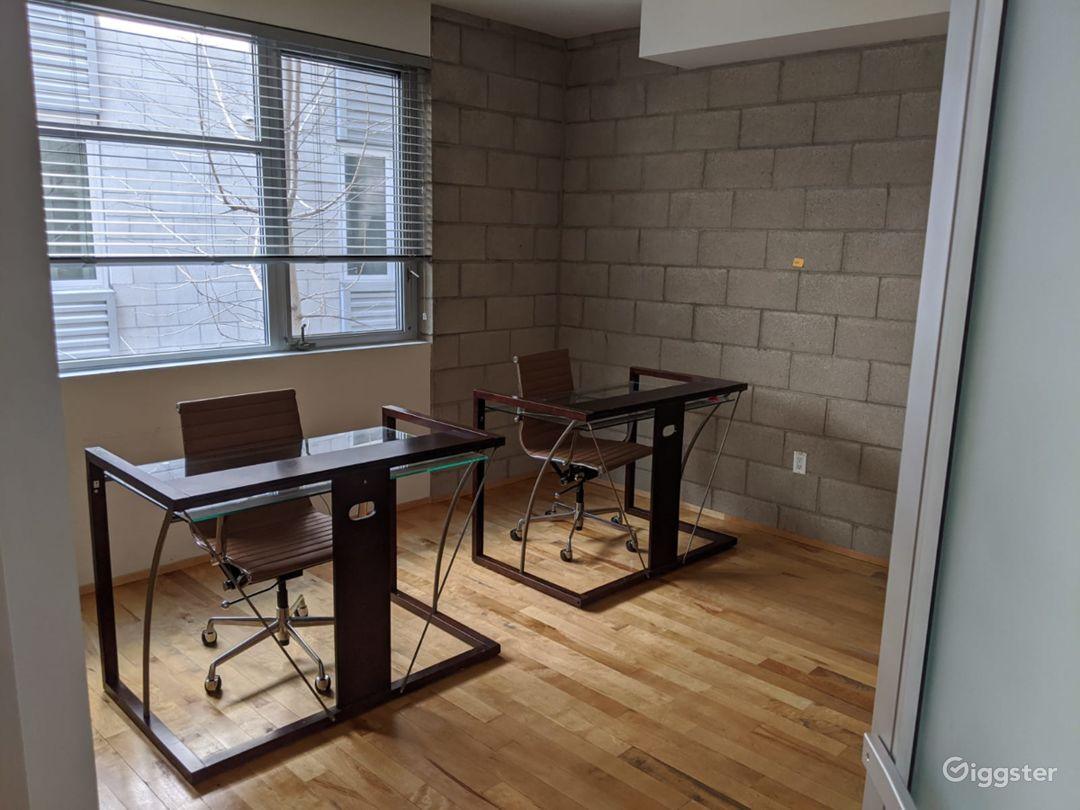 Large Office Space Photo 4