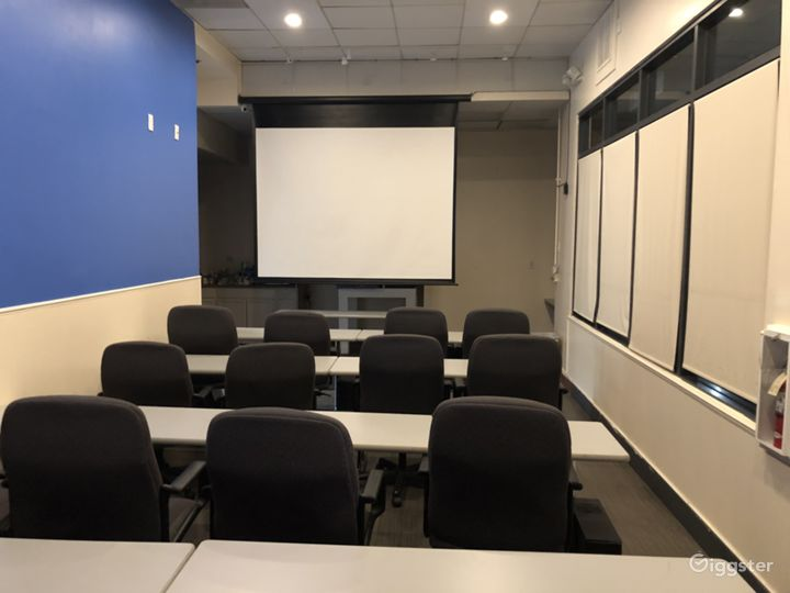 Corporate Meeting Room in Downtown Glendale Photo 3