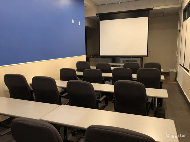 Corporate Meeting Room in Downtown Glendale Photo 4