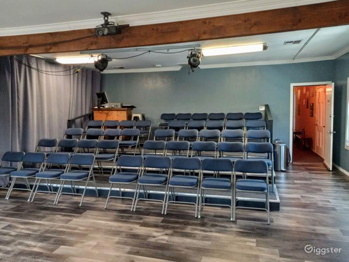 Spacious Studio Right on Melrose Photo 2