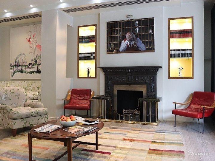 Cozy Hotel Lobby Lounge off Sloane Square Photo 4
