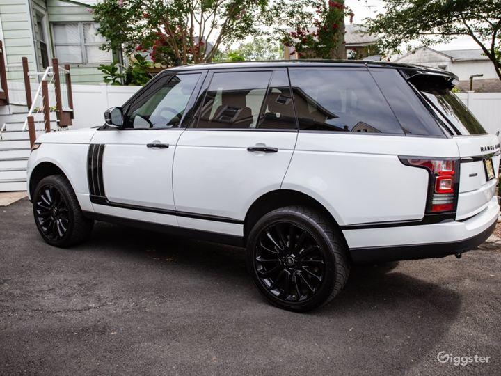 White Range Rover Supercharged Photo 2