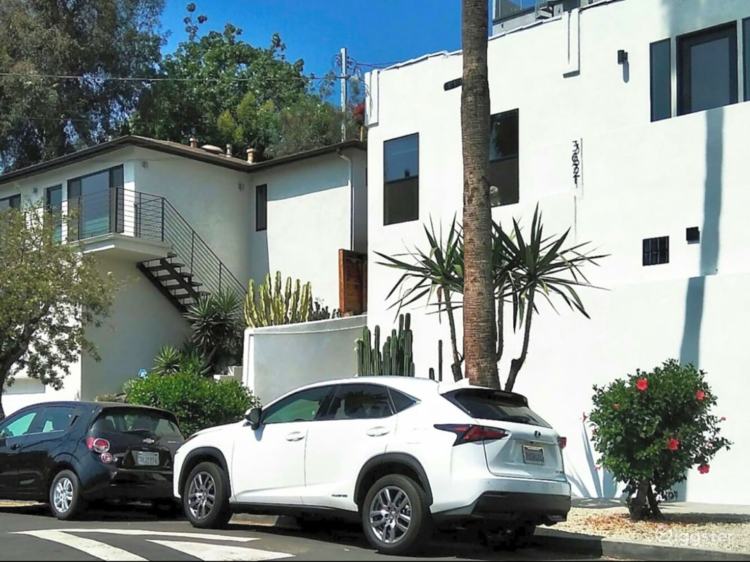 Architecture studio on top of Hollywood Photo 3