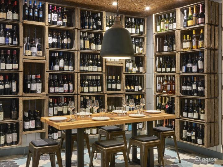 Magnificent Vaulted Wine Bar I Fleet Street Photo 2