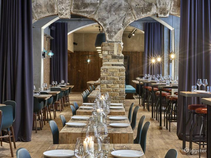 Magnificent Vaulted Wine Bar I Fleet Street Photo 3