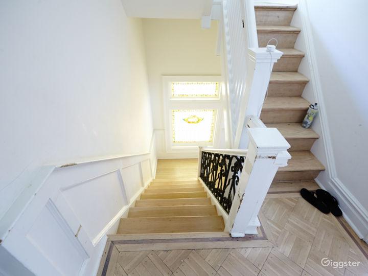 Brooklyn suburban contemporary home: Location 5050 Photo 4