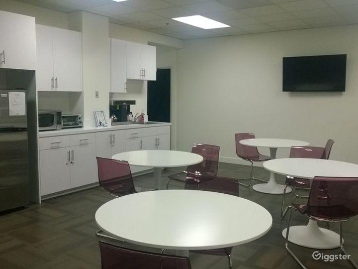 Small Conference Room in La Mirada Photo 3