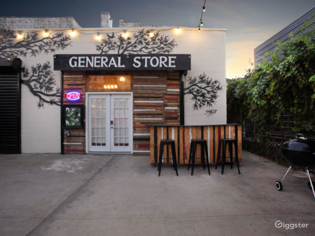 Outdoor Patio/Lounge Photo 2