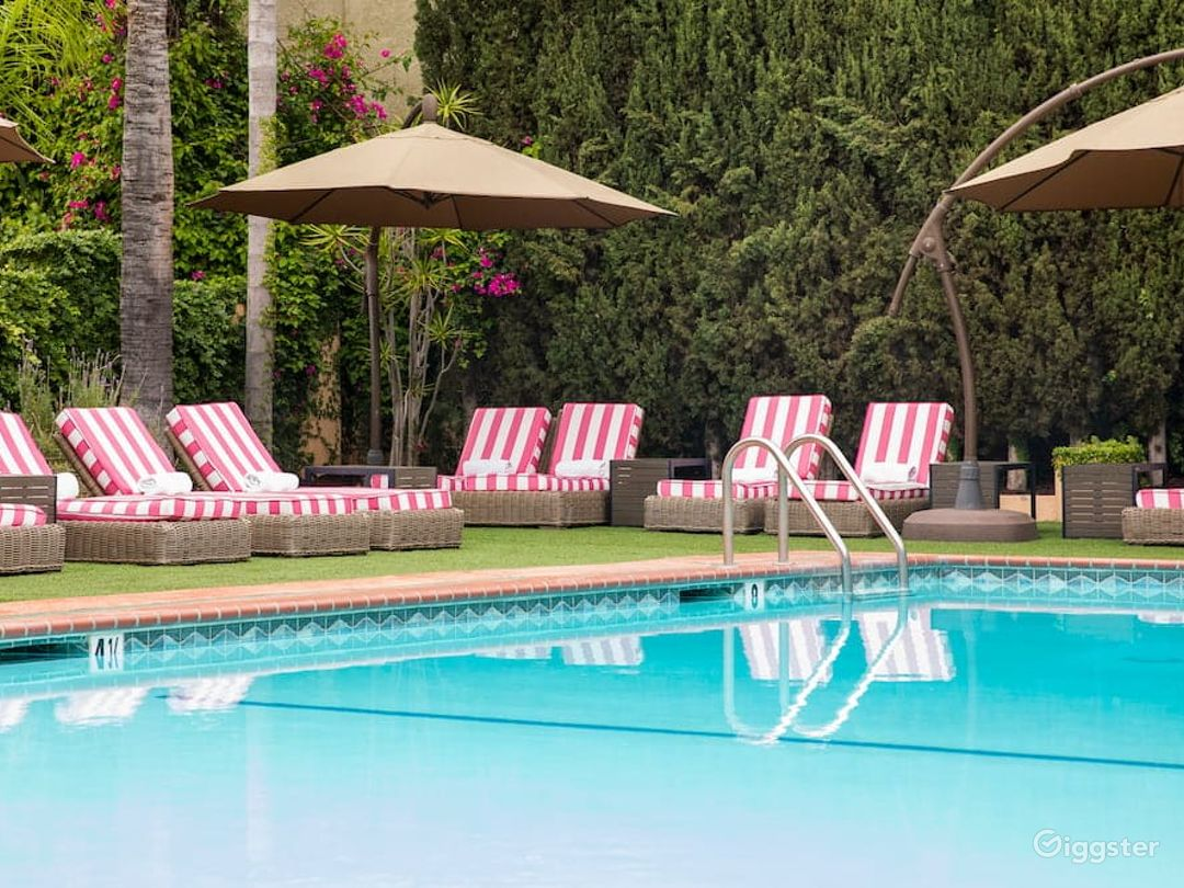 Spacious Pool with Beautiful Beach Chairs  Photo 1