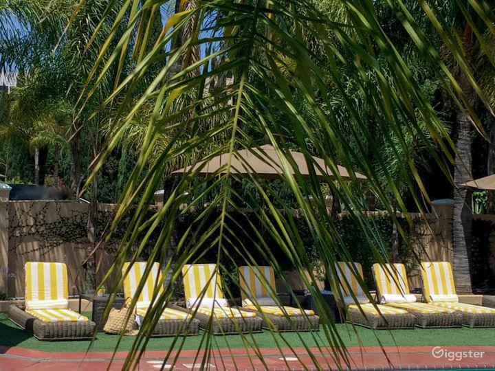 Spacious Pool with Beautiful Beach Chairs  Photo 4