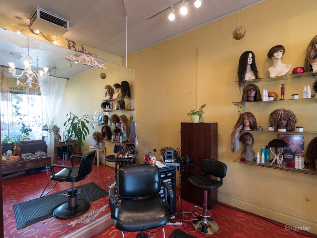 Colorful Beauty Salon Photo 3