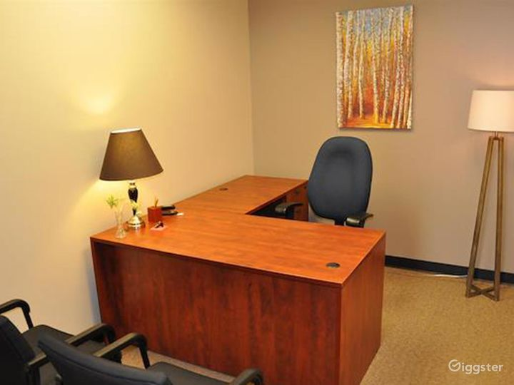 Well-equipped and Clean Office in Albuquerque Photo 3