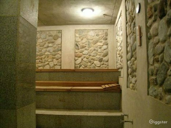 Upscale spa: Location 4074 Photo 3
