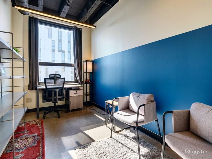 Clean & Private Office for 1-2 in Wicker Park Photo 2