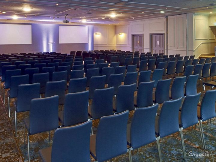 Event space for up to 400 people in Edinburgh Photo 2