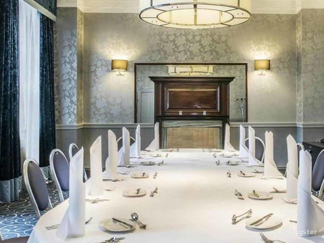 Sophisticated Buchanan Room in Glasgow Photo 1