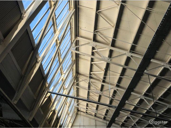 Delightful Skyroom in Richmond Photo 3