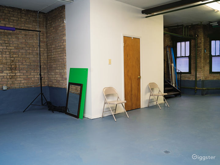 Photo/Video Studio with Brick Wall Photo 3