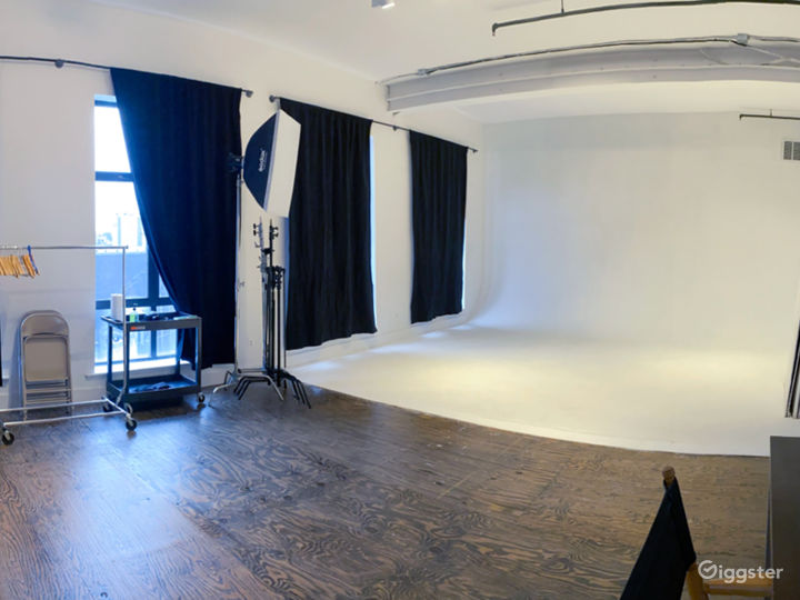 Natural Light White Cyc Studio Photo 2