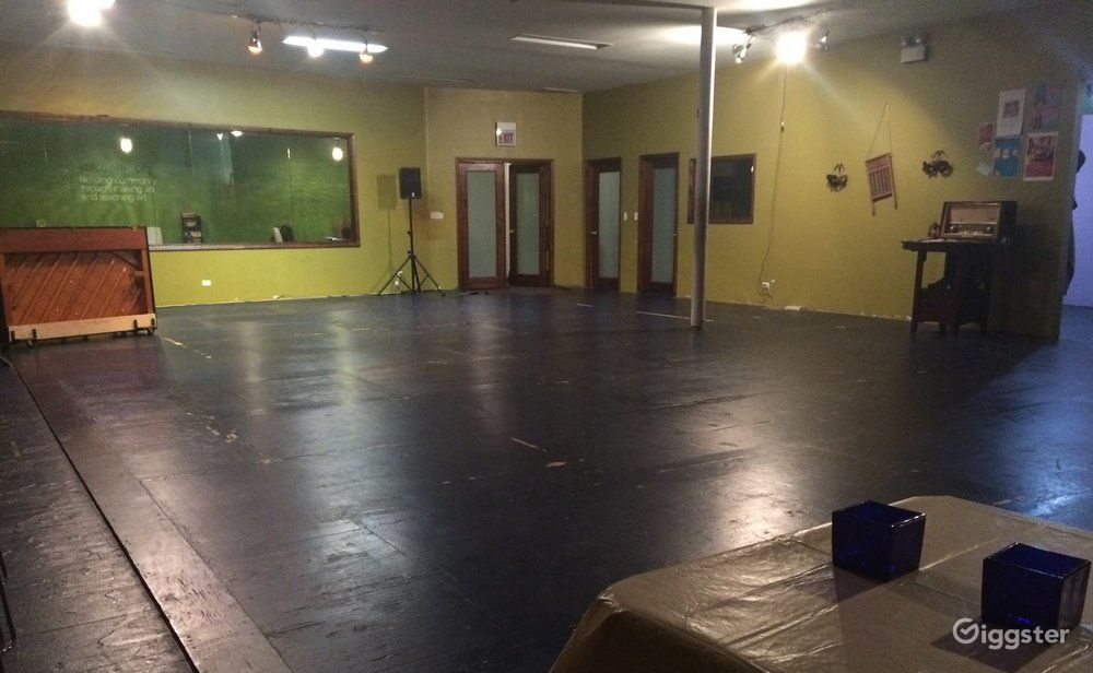 1650 SF main performance space + 2 smaller rehearsal and/or backstage spaces