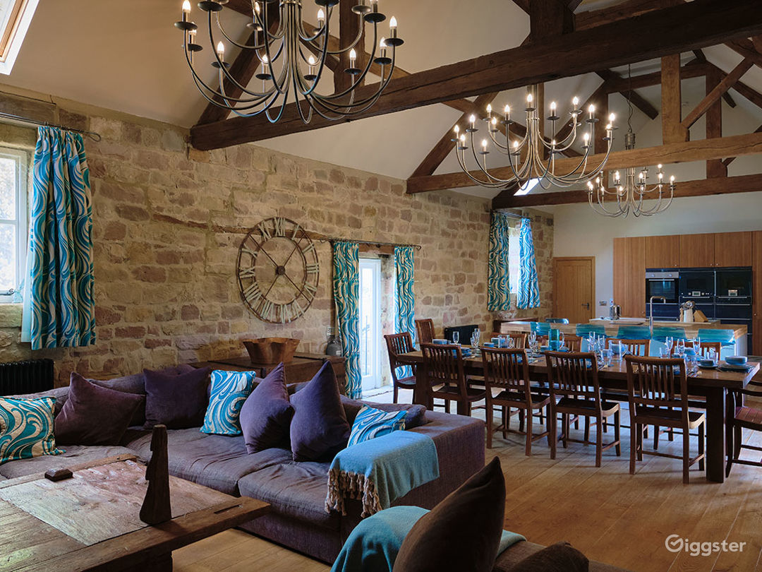 Large Barn Conversion for Events and Photoshoots Photo 1