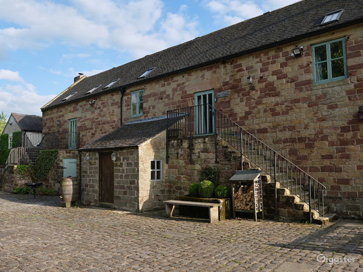 Large Barn Conversion for Events and Photoshoots Photo 3