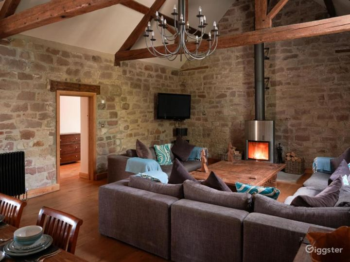 Large Barn Conversion for Events and Photoshoots Photo 2