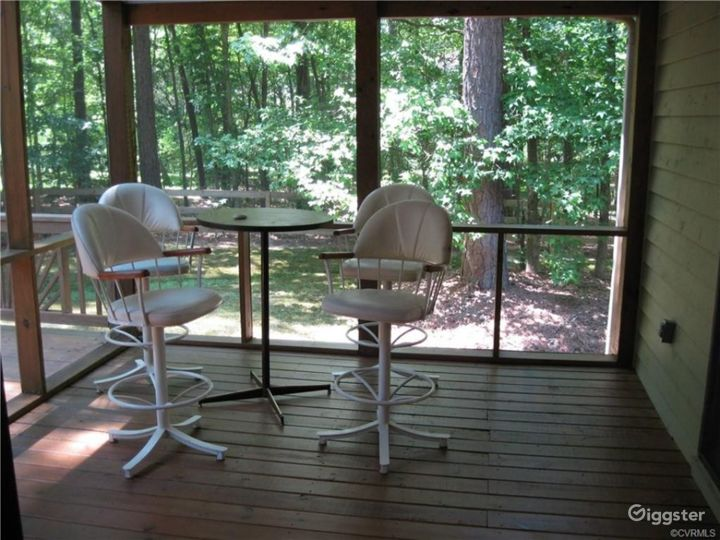 A Home in the Woods Photo 4