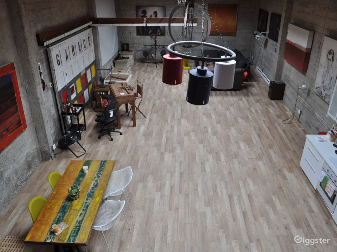 Bird's eye view of 2000 sq. ft. level; Tonnes of open concept space