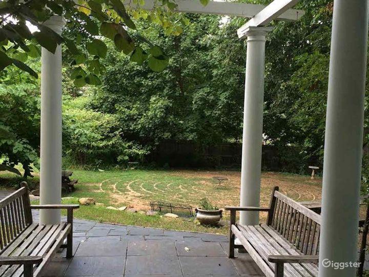 Сharming Pergola in Charlottesville Photo 4