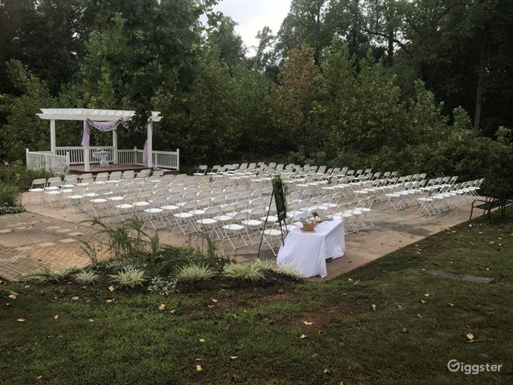 Сharming Pergola in Charlottesville Photo 3