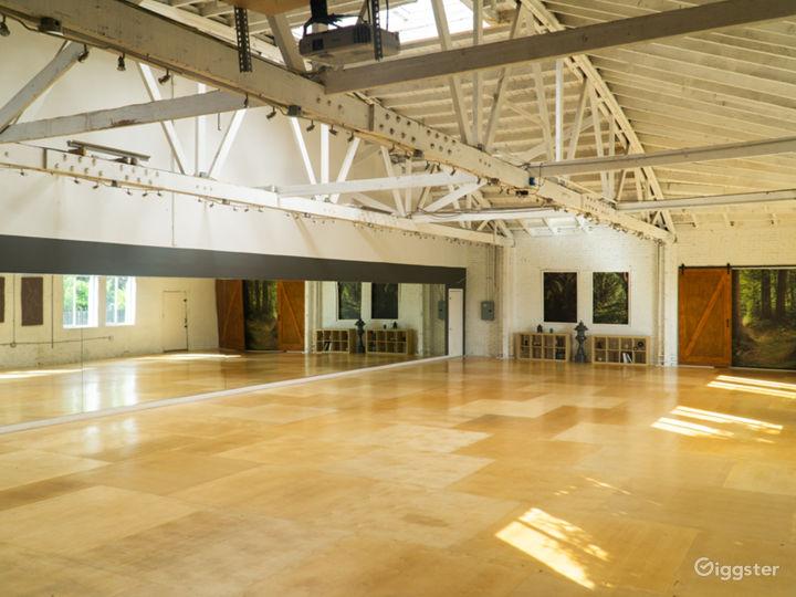 Warehouse Dance Studio w/ Brick Walls, Wood Floors Photo 2
