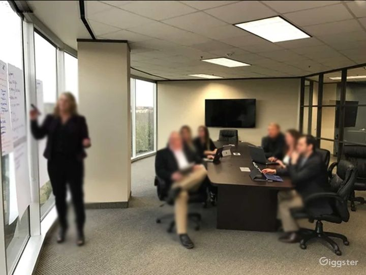 Modern and Amenity Rich Workspace in Dallas Photo 4