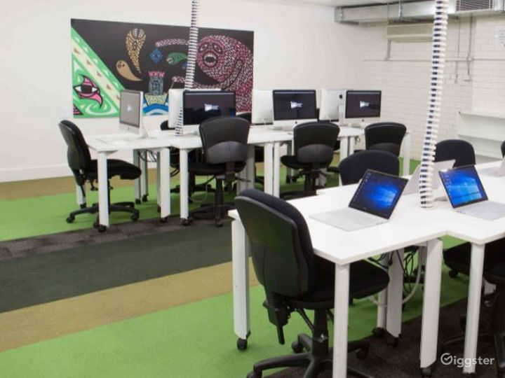 Training Lab for Graphic and Digital Design  Photo 2