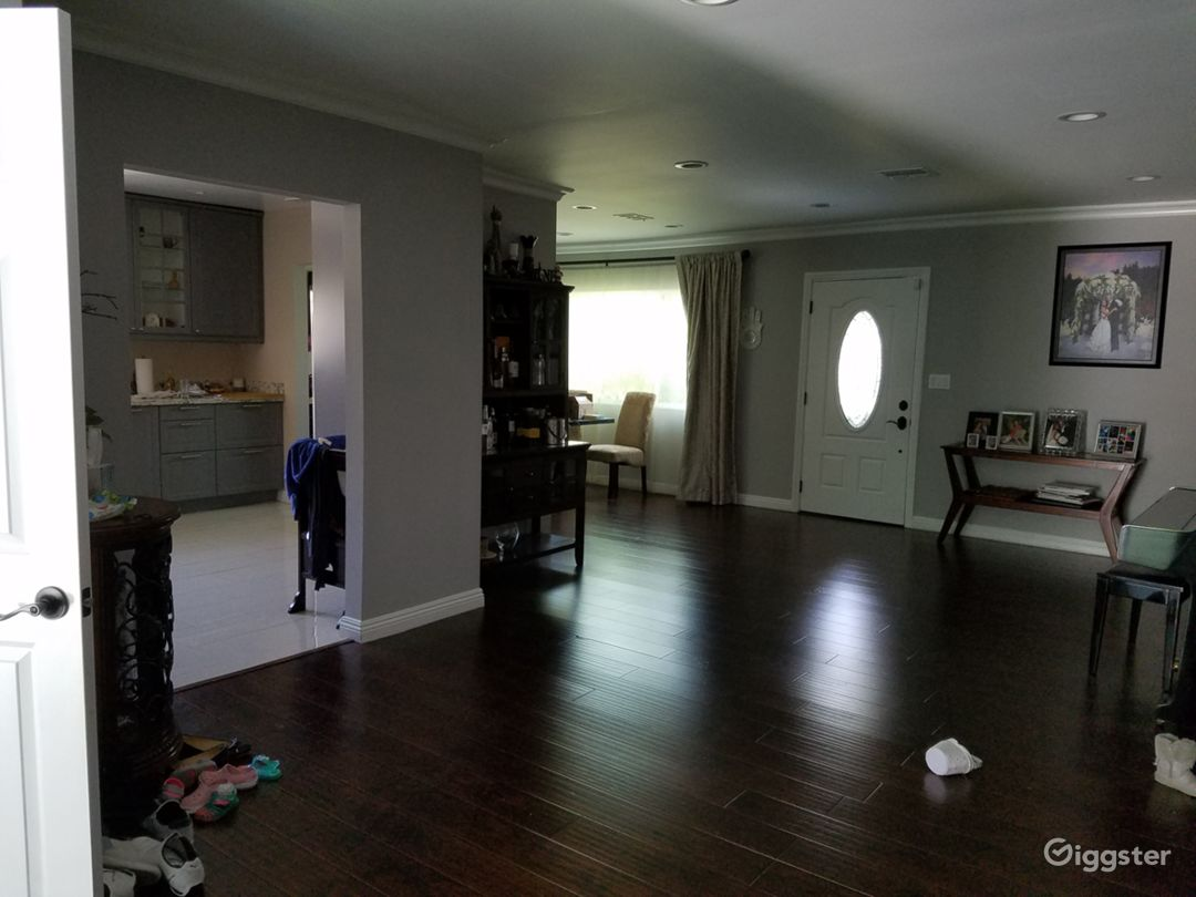 Modern family home Photo 5