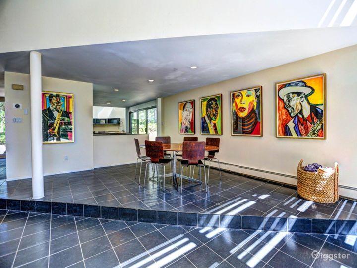 Modern Hamptons home: Location 4137