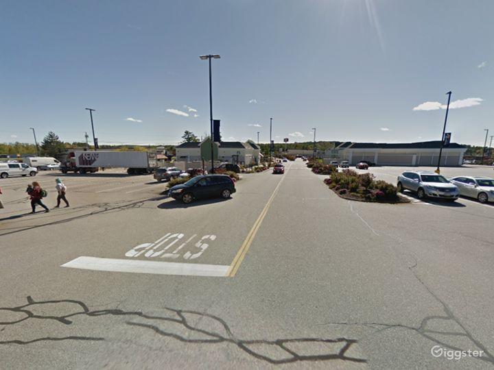 Spacious Parking Lot in Tilton Photo 4