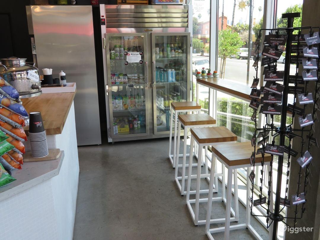 Modern Cafe near Downtown Photo 5