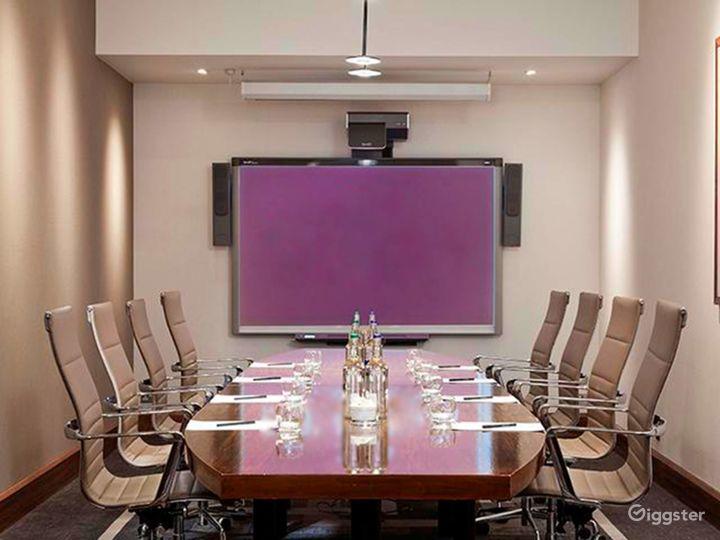 Exclusive Winslow Boardroom in Blackfriars, London Photo 3