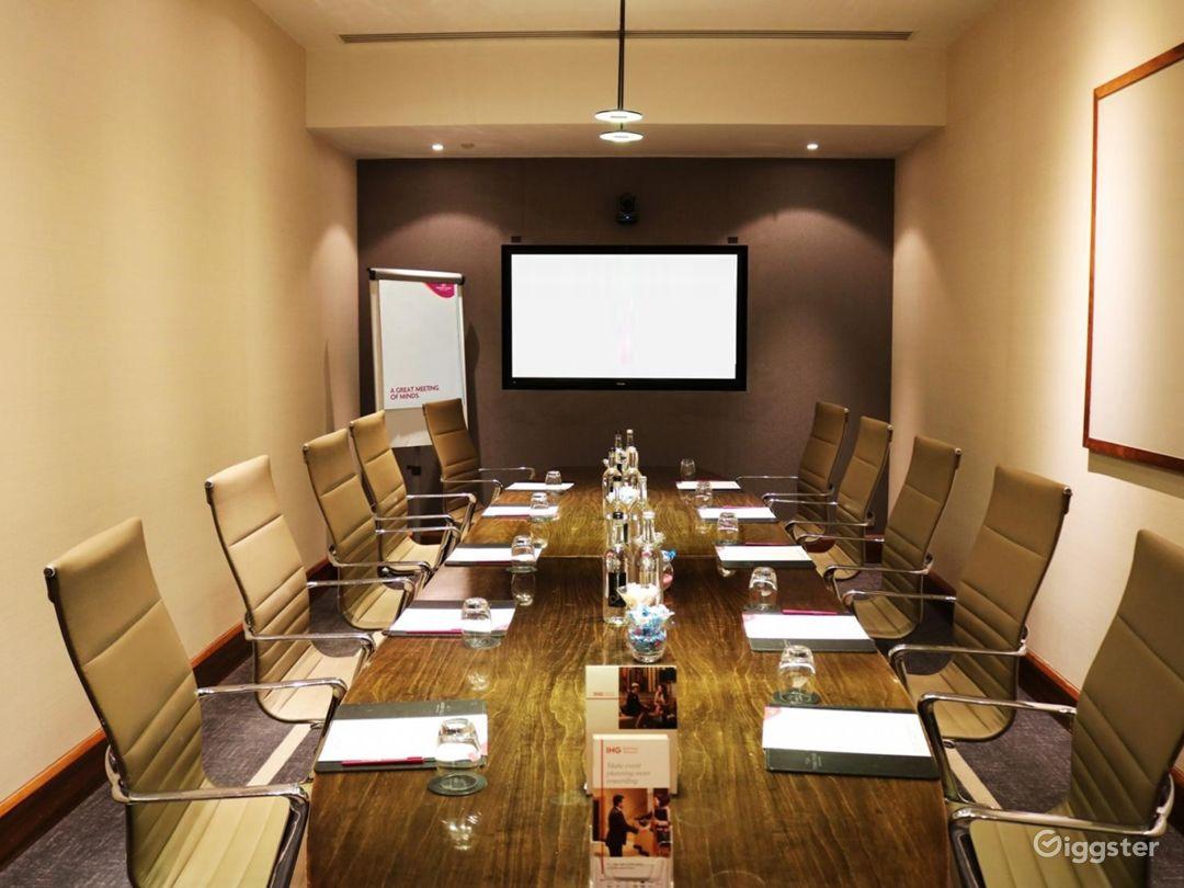 Exclusive Winslow Boardroom in Blackfriars, London Photo 1