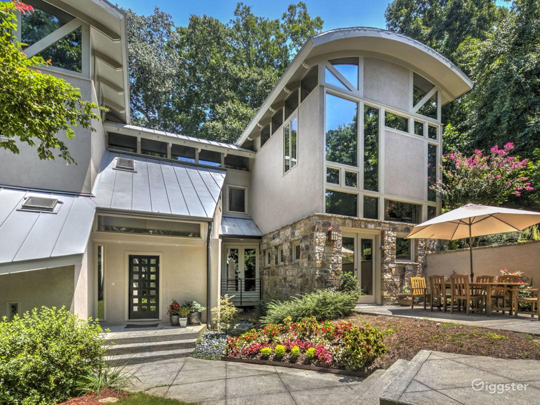 Modern Mountain House with Pool Photo 3