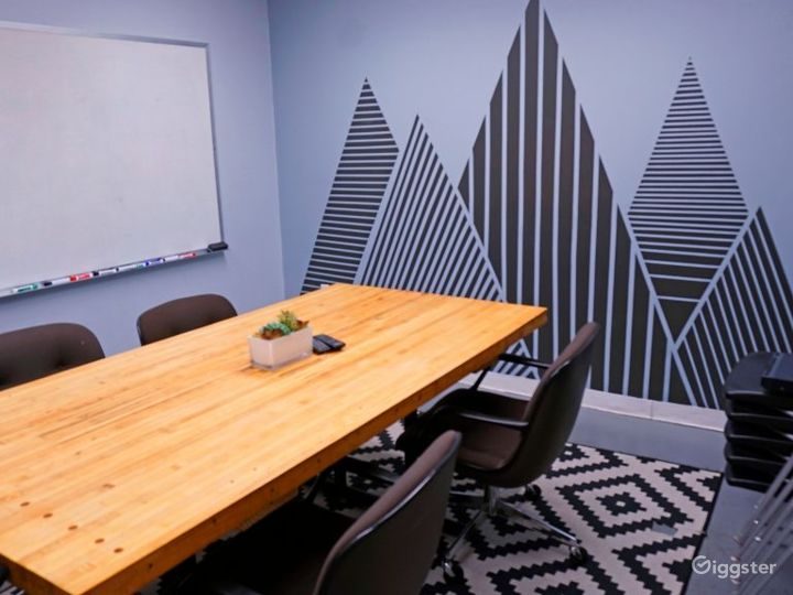Artistic Conference Room Photo 2