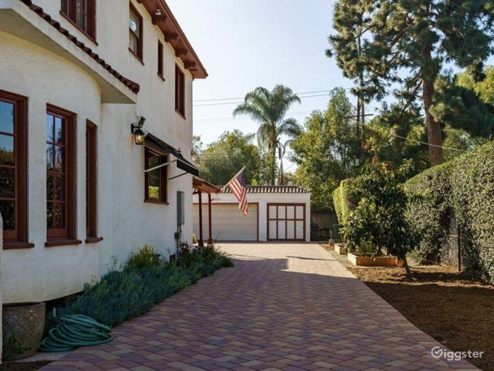 Unique Spanish-Style Villa  Photo 3