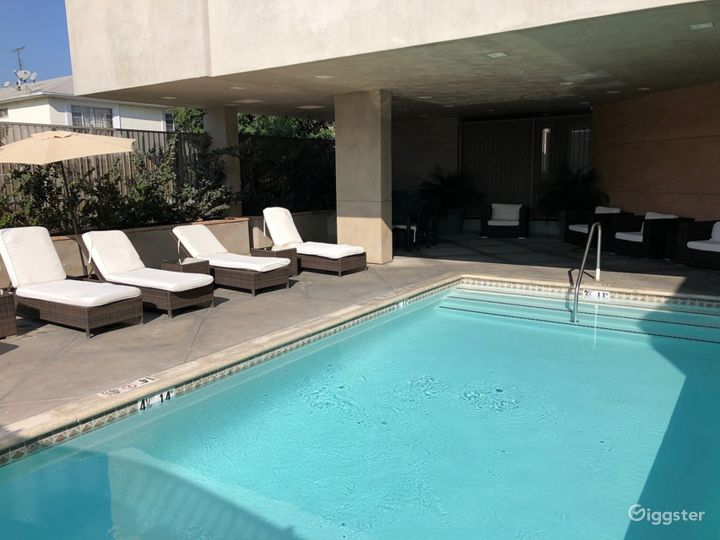 Outdoor Pool for you and your friends  Photo 2