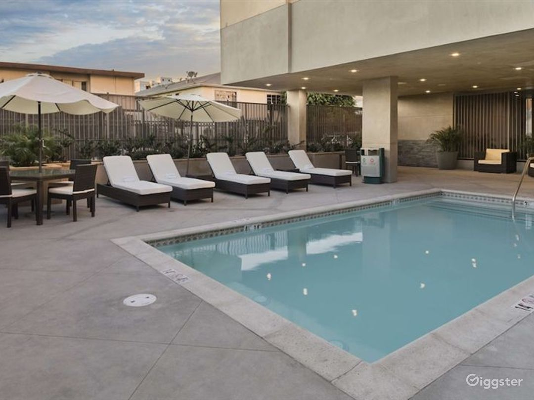 Outdoor Pool for you and your friends  Photo 1