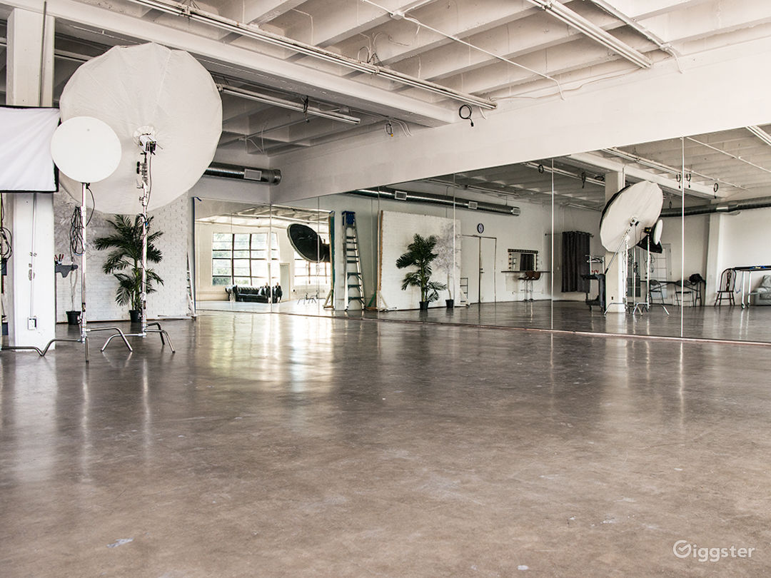 Hill Studio 3 Photo 1